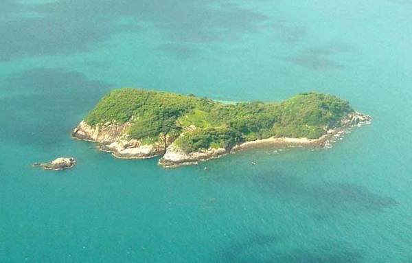 Hon Bay Canh Island