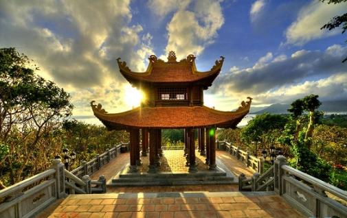 Van Son Pagoda